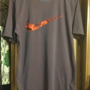 Nike teen shirt